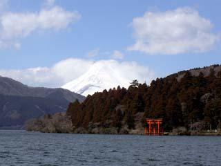 芦ノ湖と富士と箱根神社
