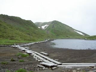 阿弥陀池と男岳