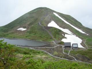 男女岳と阿弥陀池