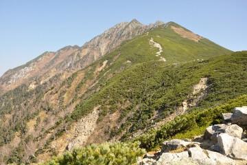 西穂高岳とピラミッドピーク