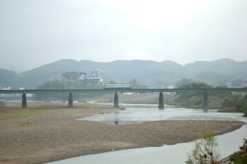 大洲城と予讃線