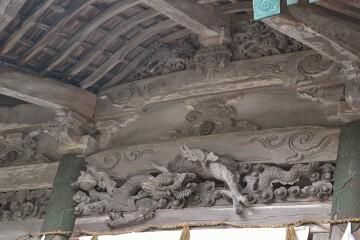 奥宮の彫刻