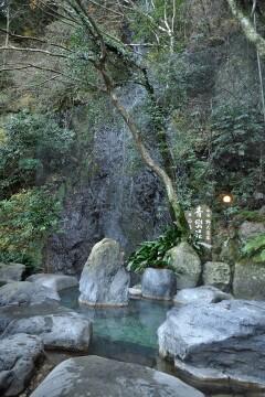 青巒荘 仙境野天風呂