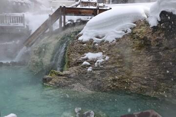 湯滝と滝壺