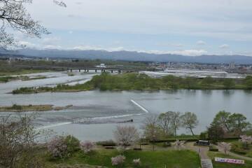 和賀川と北上川の合流