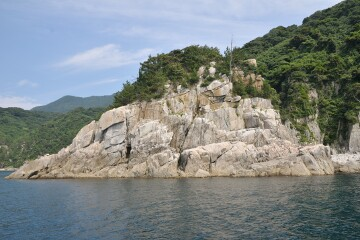 アゴ越え岩